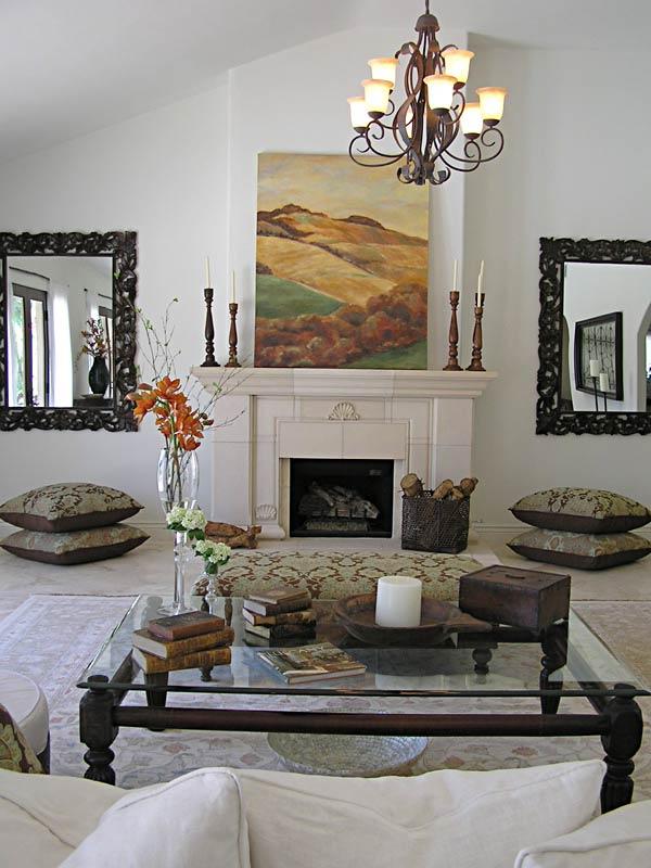 Молочно-белый интерьер гостиной в тосканском стиле