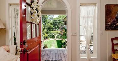 Лёгкая структура, неординарный стиль и два уровня безопасности голландских входных дверей