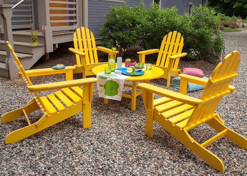 Желтые стулья в эко-стиле