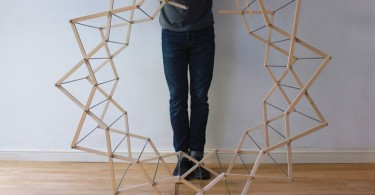 Вешалка для одежды Clothes Horse от дизайнера Aaron Dunkerton
