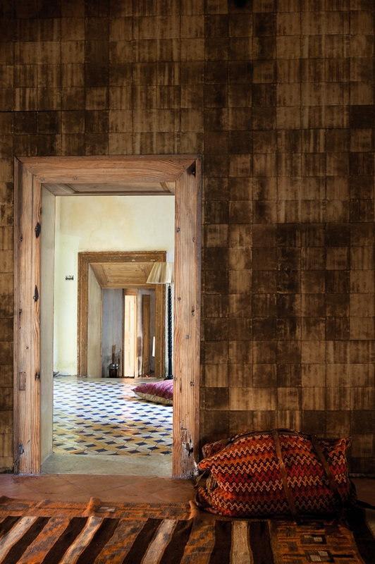 Оригинальные обои от Wall&Deco в интерьере помещения