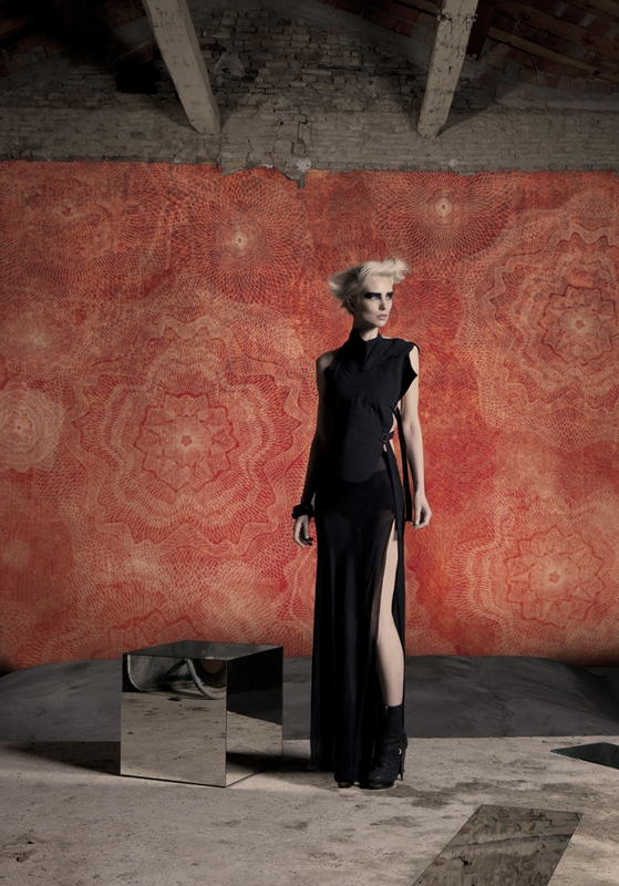 Очаровательные обои от Wall&Deco в интерьере помещения