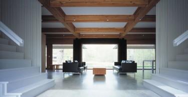 Красивые деревянные балки в интерьере