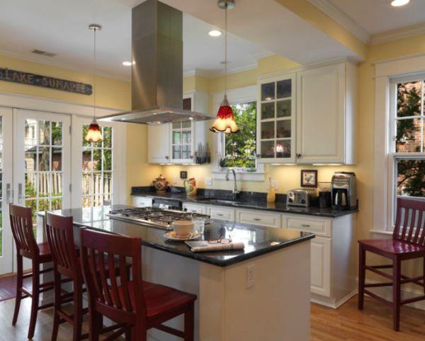 Желтые акценты на светлой кухне