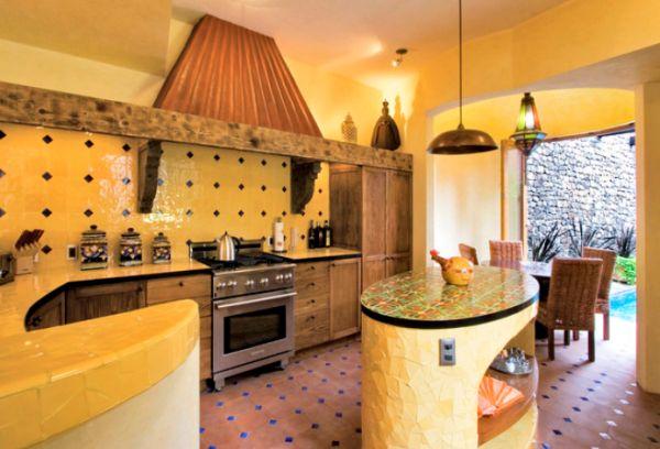 Кухня в желто-коричневом цвете