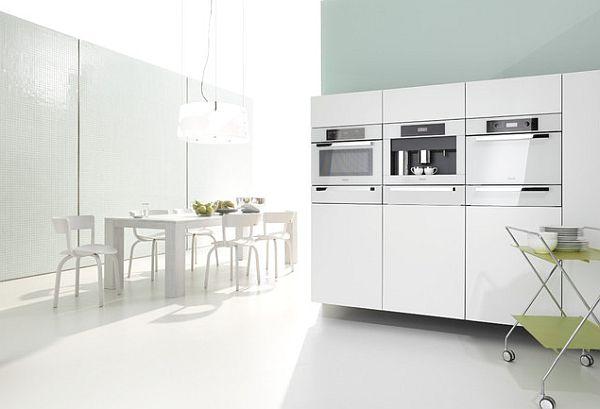 Белоснежное оформление кухонной зоны