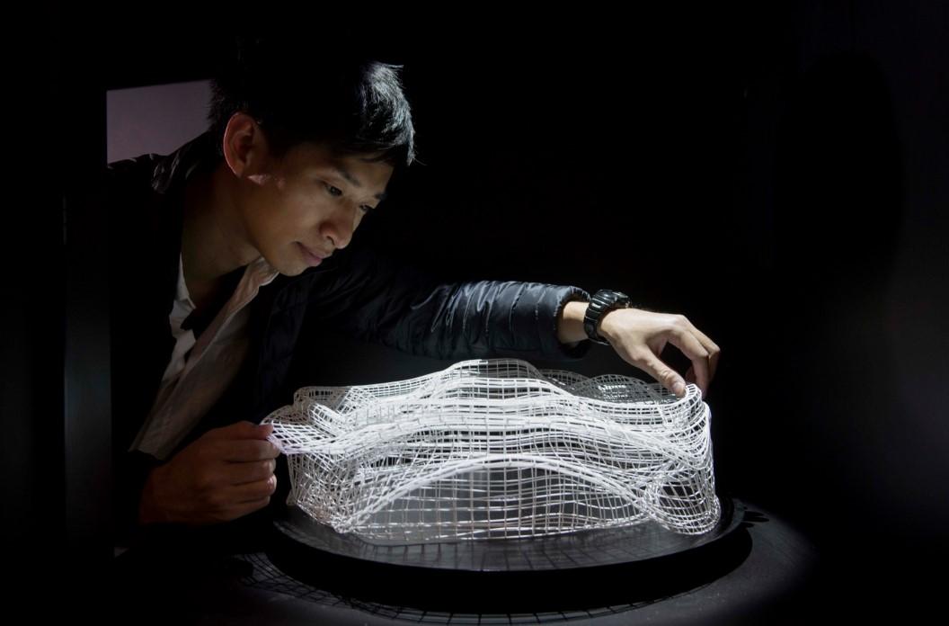 Световые фигуры в новой кинетической инсталляции Акинори Гото