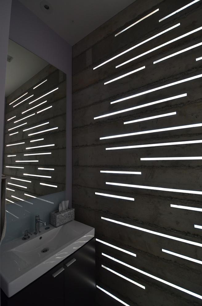 Бетонная стена в ванной