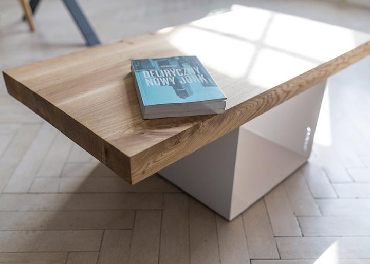 Книга на столе от студии 5mm