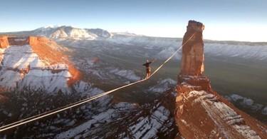 Тео Сансон: рискованный переход по канату в Скалистых горах в штате Юта