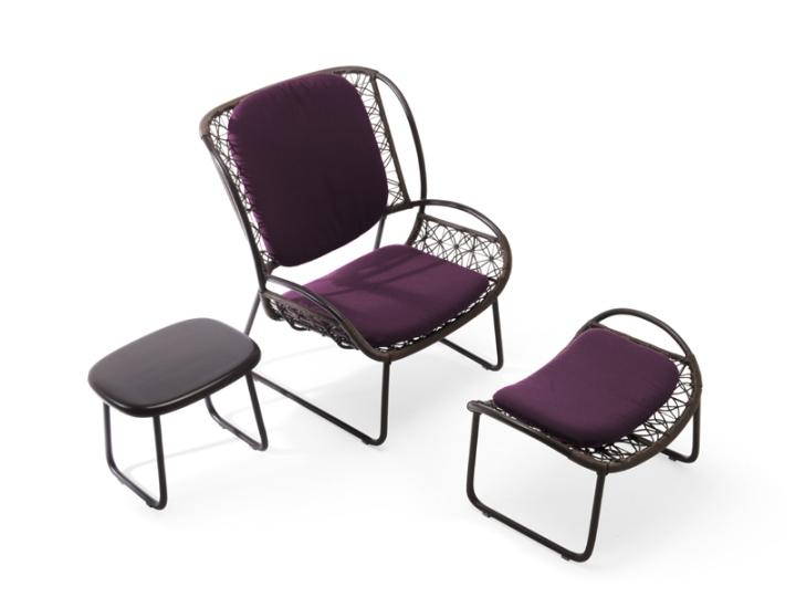 Уникальное кресло и столик