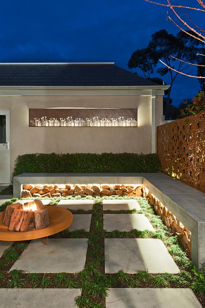 Уникальное светодиодное освещение двора