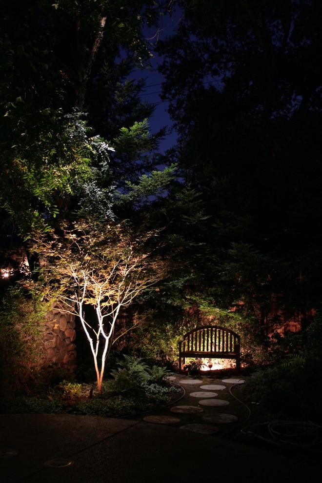 Удивительное светодиодное освещение сада