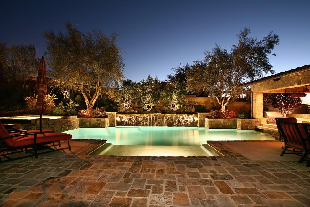 Уникальное светодиодное освещение бассейна