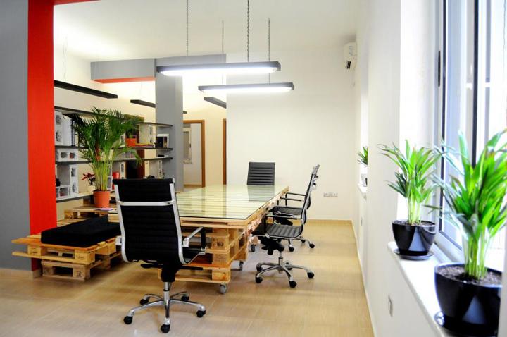 Креативная мебель из деревянных поддонов от Anima Pictures