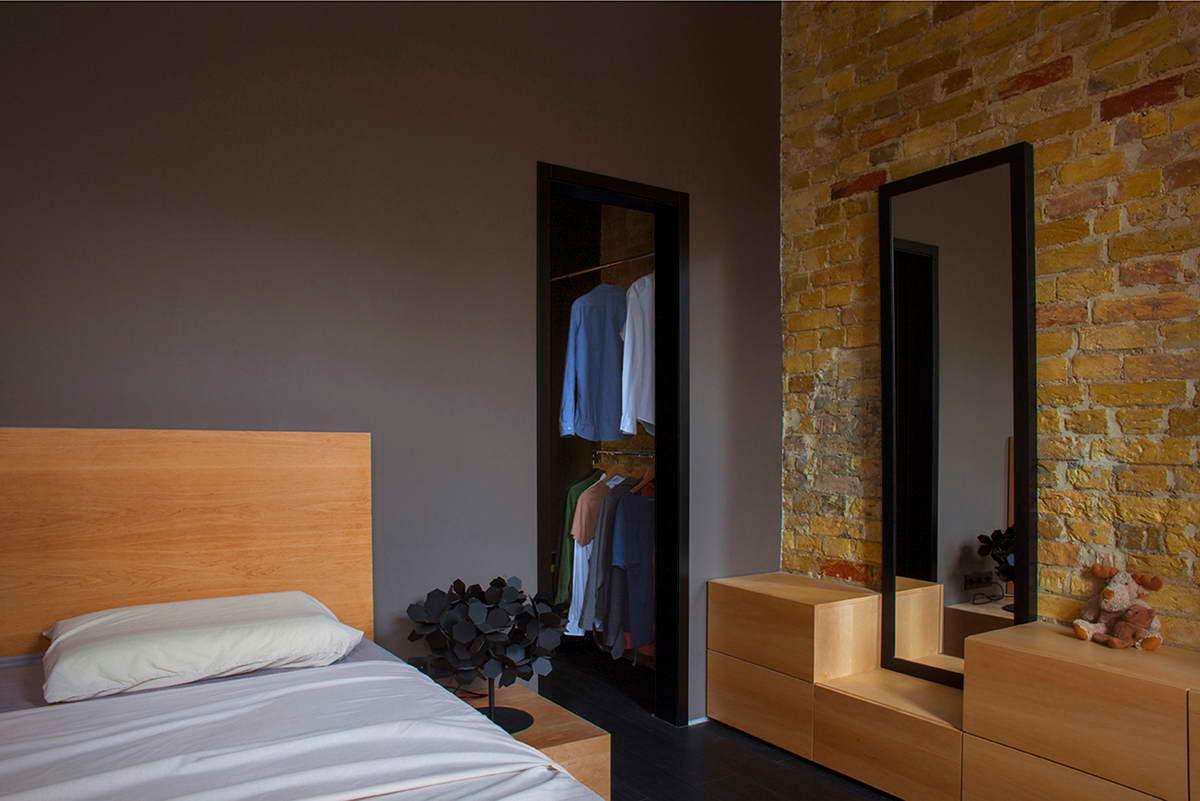 Удивительный песочный и черный цвет в интерьере маленькой квартиры