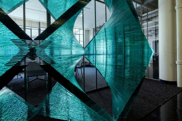 Стеклянная архитектурно-строительная установка с красивыми эскизами