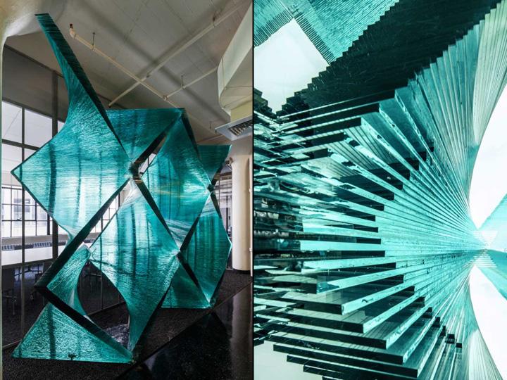 Стеклянная архитектурно-строительная установка в красивом исполнении от архитектора Cristina Parreño