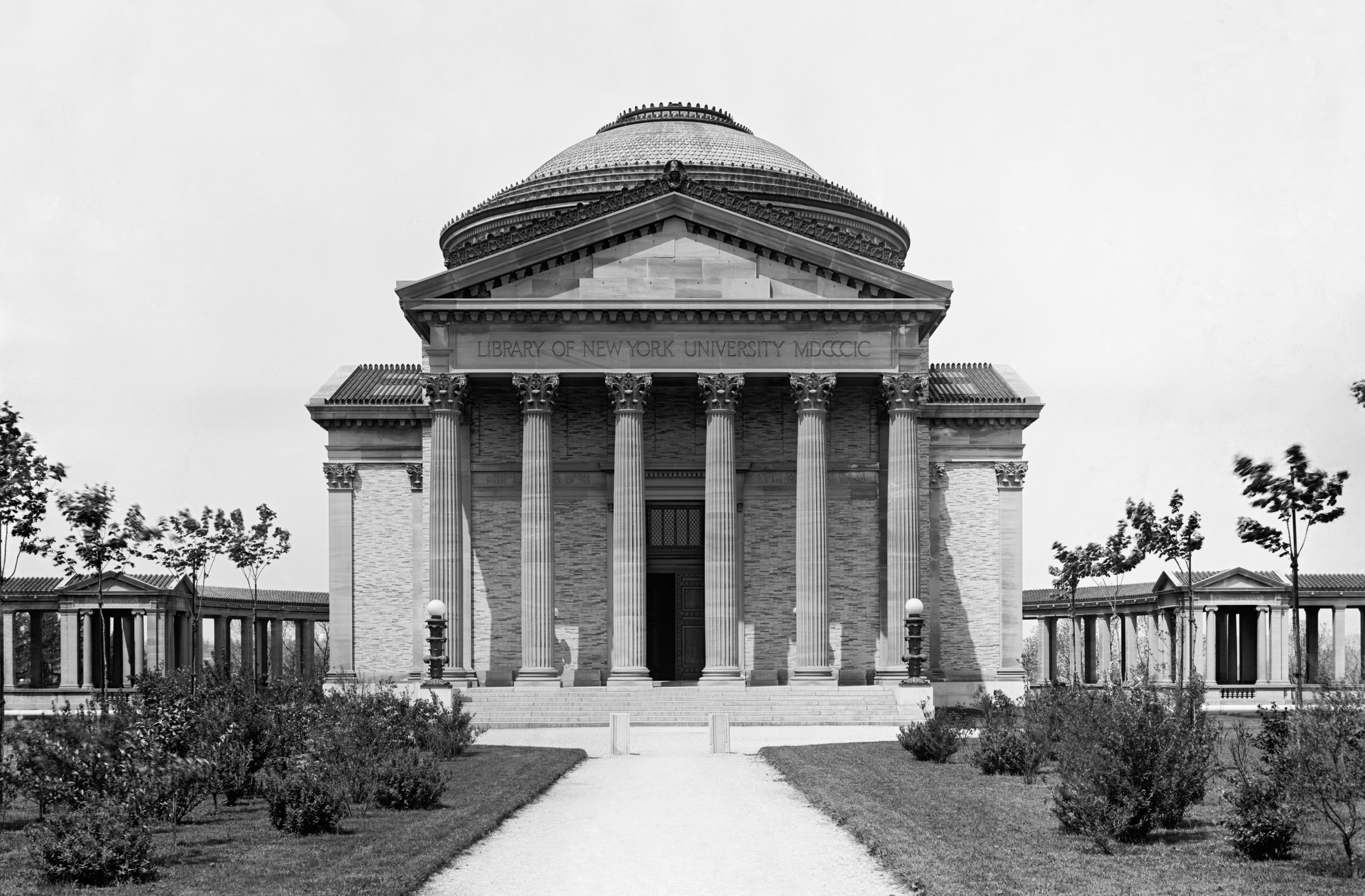 Библиотека по проекту Стэнфорда Уайта