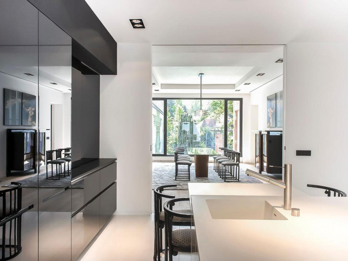 Кухня апартаментов в стиле ар-деко
