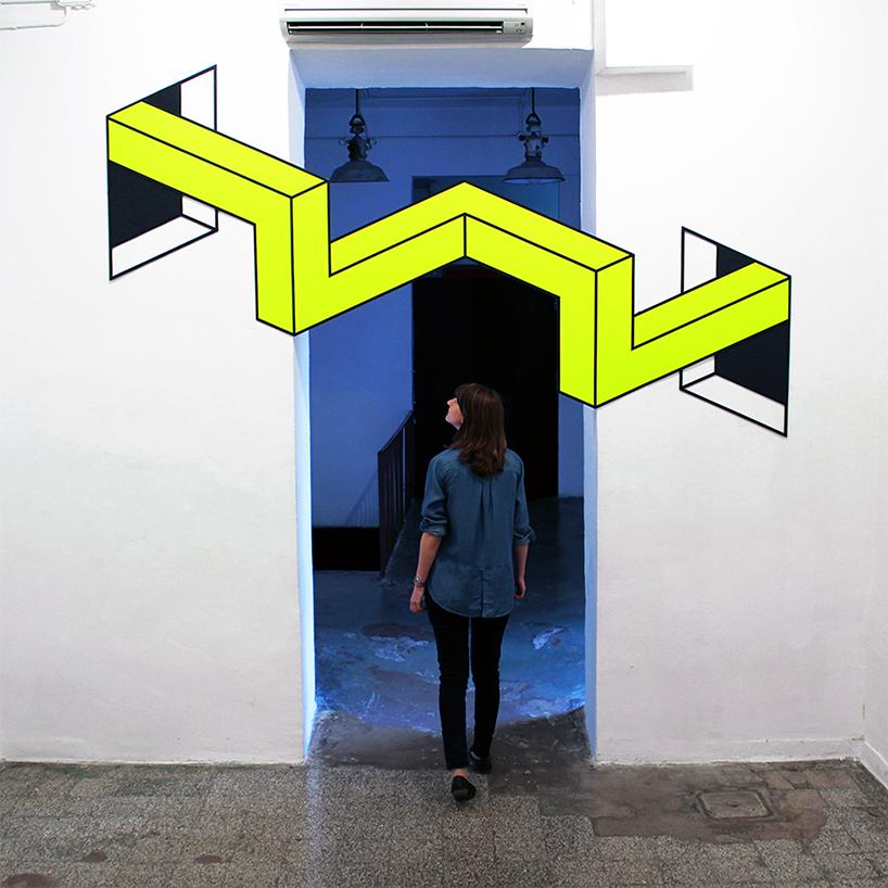 Живописная 3D инсталляция в дверном проеме