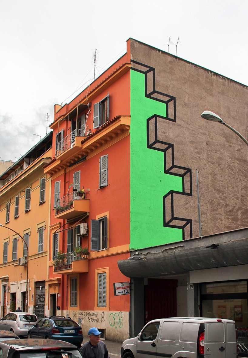 Креативное оформление боковой части фасада дома