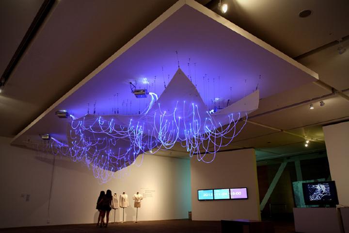 Красивая световая инсталляция Mood Map
