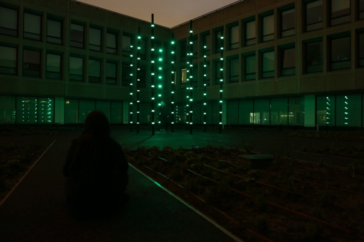 Креативная арт-инсталляция «Boo» от Daan Roosegarde