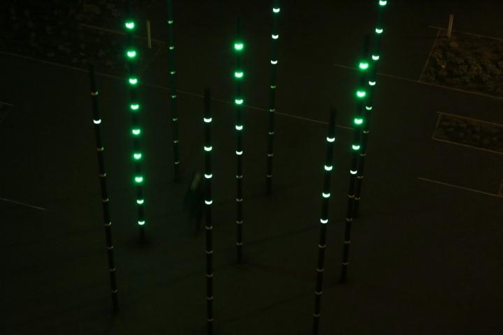 Оригинальная арт-инсталляция «Boo» от Daan Roosegarde