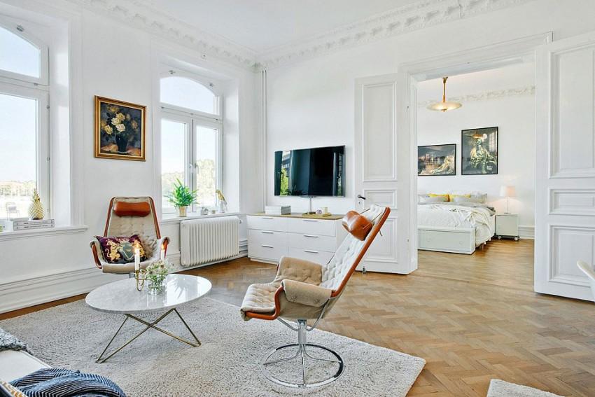 Кресла оригинального дизайна в гостиной