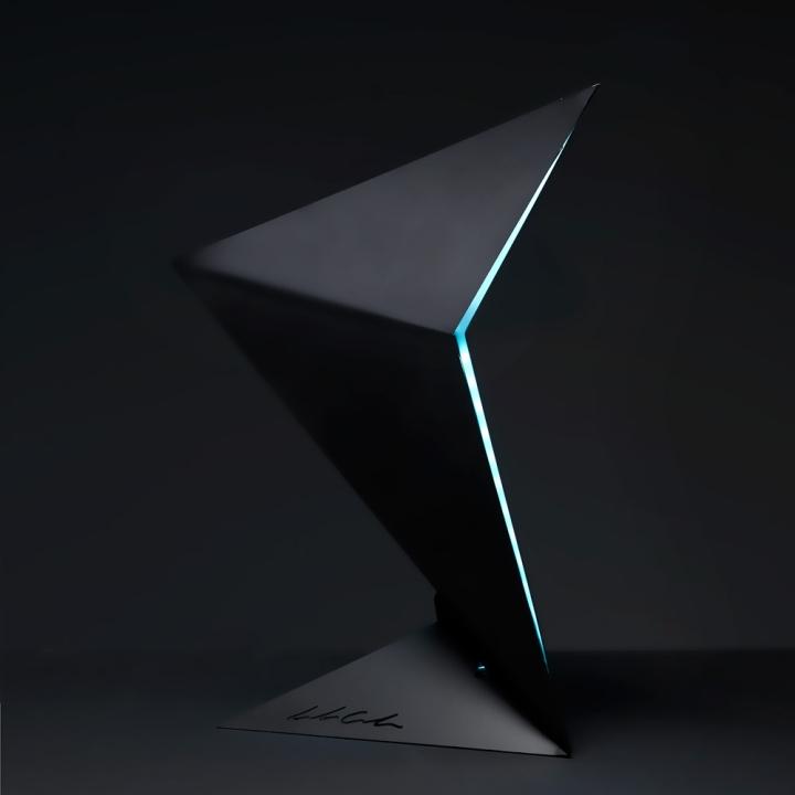 Чудесная лампа от дизайнера Leonardo Criolani