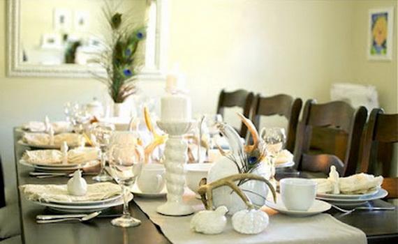 Декоративные тыквы на столе