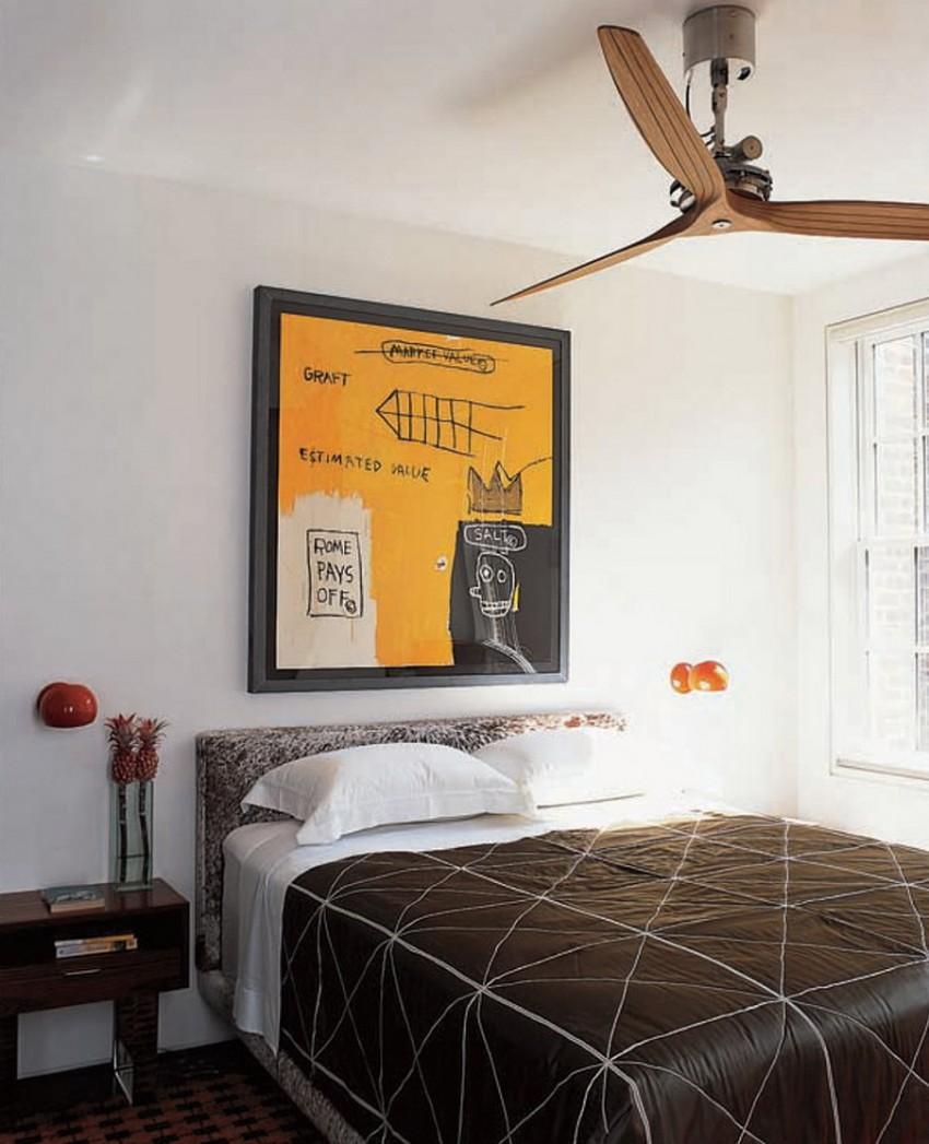 Люстра с пропеллером в спальне