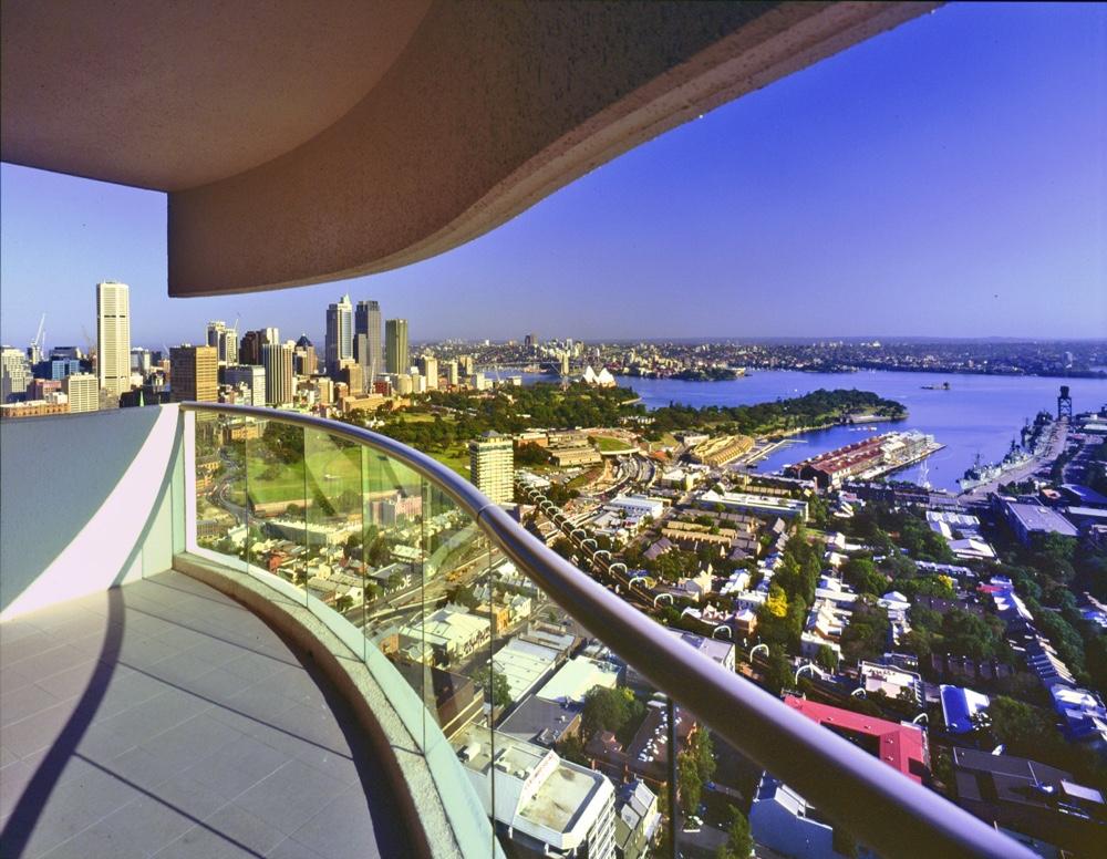 Панорамный вид с балкона дома, спроектированного австралийским дизайнером