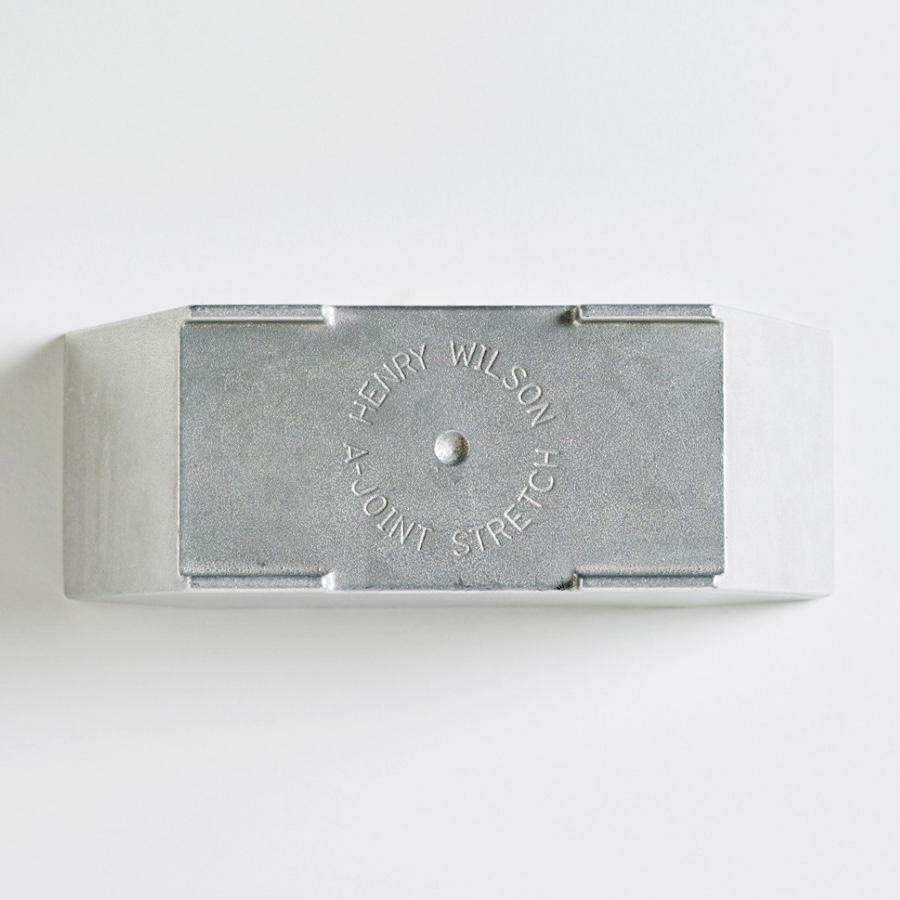 Деталь крепления столярных изделий от австралийского дизайнера Henry Wilson