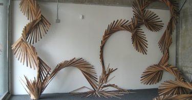 Барбара Холмс: масштабная скульптурная инсталляция из вторичных материалов