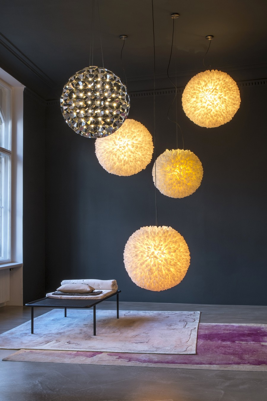 Необычные круглые подвесные светильники от Daniel Becker