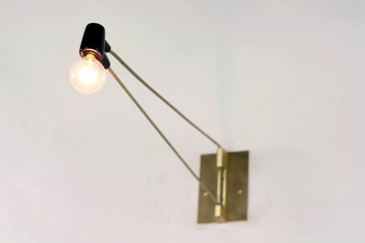 Креативная латунная лампа Ring Sconce & Brass от дизайнера Brendan Ravenhill