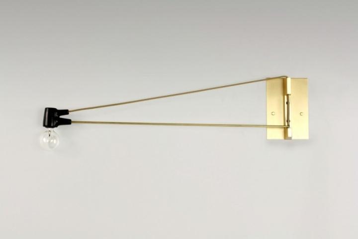 Превосходная латунная лампа Ring Sconce & Brass от дизайнера Brendan Ravenhill