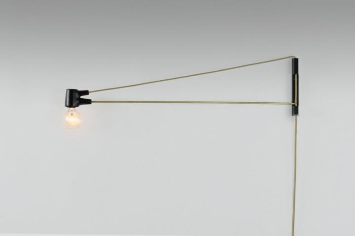 Восхитительная латунная лампа Ring Sconce & Brass от дизайнера Brendan Ravenhill