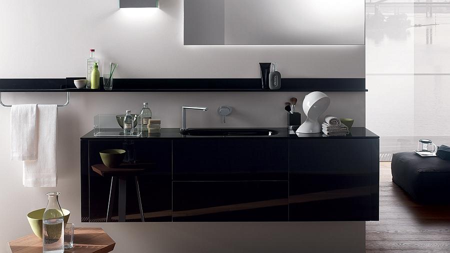 Чёрные шкафчики в интерьере ванной комнаты