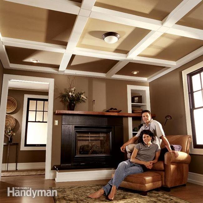 Дизайн панельного потолка в интерьере гостиной