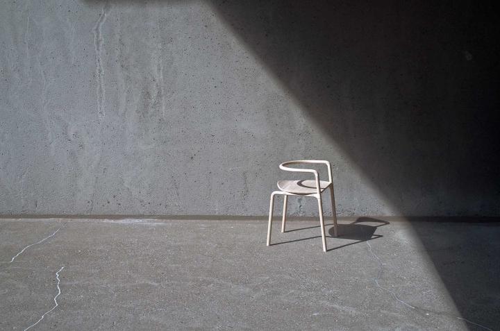 Прекрасный деревянный стул The Funambule от Loïc Bard & Nicolas Granger