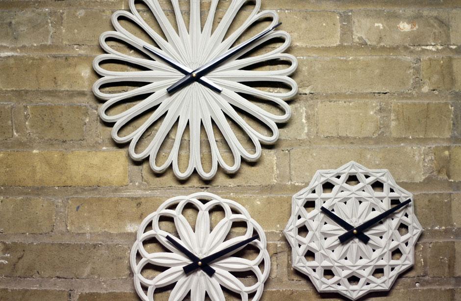 Красивые часы из бетона для интерьера