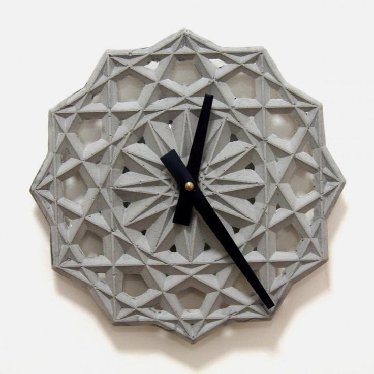 Часы из бетона для интерьера