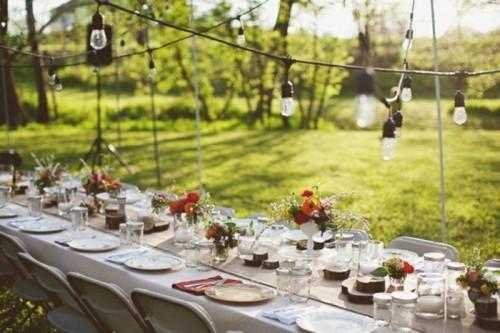 Оформление свадебных столов на природе