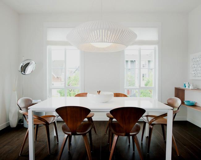 Белая столовая в современном стиле