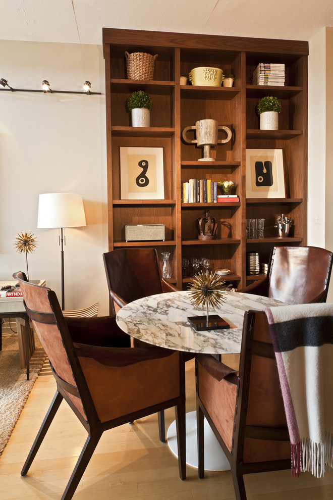 Круглый стол в современном стиле