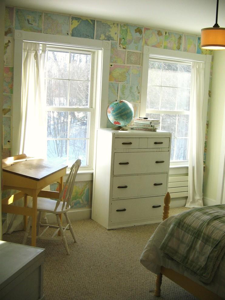 Школьный стол и стул в интерьере