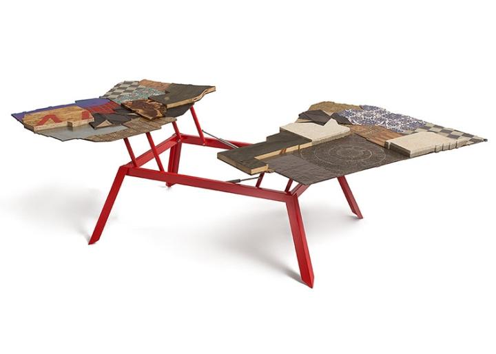 Раскладной стол от Эзри Тарази
